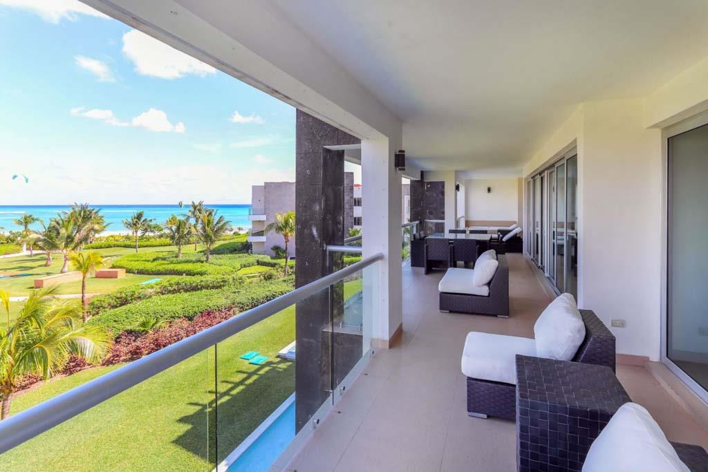 Mareazul 4-Bedroom Oceanview Condo