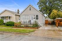Homes for Sale in Hamilton East, Hamilton, Ontario $374,900