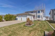 Homes for Sale in Medicine Hat, Alberta $464,000