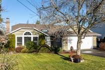 Homes for Sale in Qualicum Beach, British Columbia $610,000