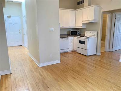 524 Yonge St, Suite 301, Toronto, Ontario