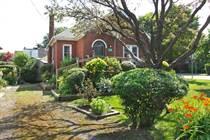 Homes for Sale in Hamilton East, Hamilton, Ontario $399,900