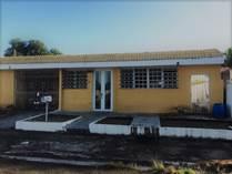Homes for Sale in Metrópolis, Carolina, Puerto Rico $79,000