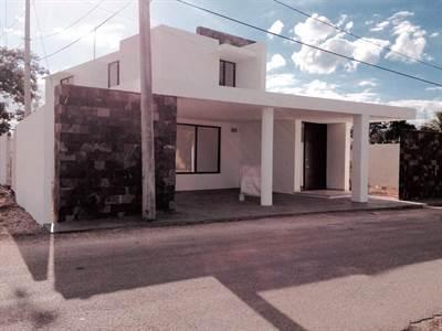"Cholul, Yucatan Presents  ""CASA BADUY"" Great Location !!!"