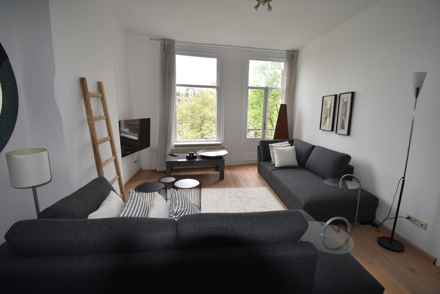 Leidsekade , Suite C