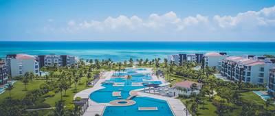 Captivating 3 Br. Condo with Oceanview, Playa del Carmen