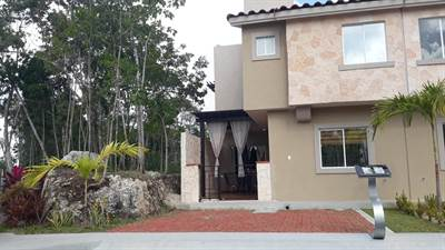 WONDERFUL HOUSE FOR SALE IN A RESIDENTIAL COMPLEX IN CANCUN