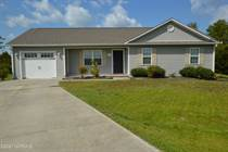 Homes for Sale in North Carolina, Hubert, North Carolina $176,000