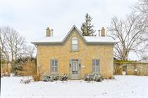 Homes for Sale in Fergus, Ontario $989,900