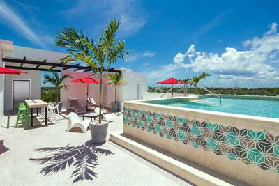 Beautiful 1 Bedroom 1 Bathroom Condo for Sale in Downtown Playa del Carmen DED357