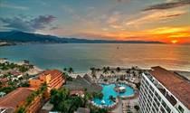 Condos for Sale in Zona Hotelera, Puerto Vallarta, Jalisco $179,999