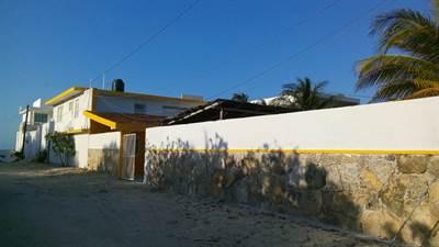 "Chicxulub, Yucatan Presents ""TROPICAL HOME"" Steps to the Beach !!!"