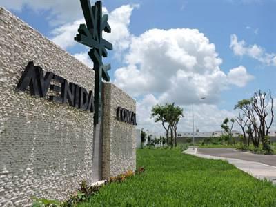 "Conkal, Yucatan presents ""AVENIDA CONKAL LOT"""