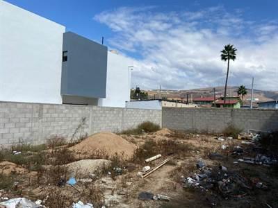 Octavio Paz, Lot 661, Ensenada, Baja California