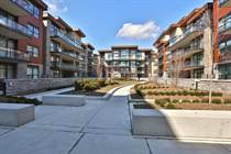 Condos for Sale in Clarkson, Mississauga, Ontario $715,900