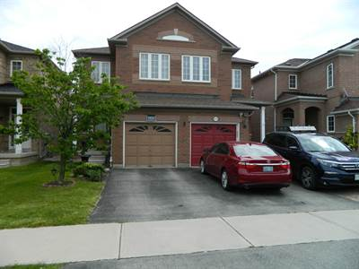 3 Bedroom Home In Churchill Meadows! All Amenities Close By!