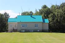Farms and Acreages for Sale in Lamont County, Mundare, Alberta $849,000