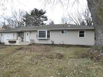 Homes for Sale in South Maplewood, Maplewood, Minnesota $259,900