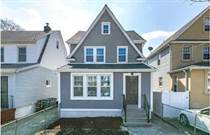 Multifamily Dwellings for Sale in Queens Village, New York City, New York $786,000