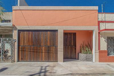 360 Tour! New Construction - Fantastic Location in downtown Merida.
