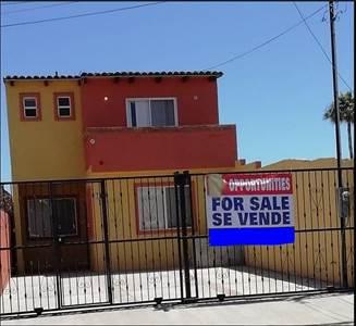 A pasos de la playa, casa en sector residencial, Lienzo Charro, Calle Guadalupe Victoria