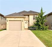 Homes for Sale in Chatham, Ontario $339,900