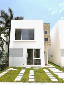 EXCLUSIVE HOUSE FOR SALE IN CANCUN
