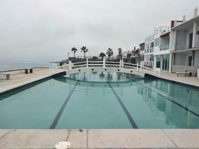 Beachfront house for sale in San Antonio del Mar