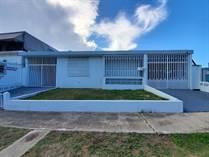 Homes for Sale in Jardines de Arecibo, Arecibo, Puerto Rico $99,900
