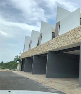 """Mérida, Yucatan presents """"PASADENA TOWNHOUSE"""" in Santa Gertrudis Copo"""