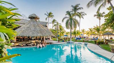 Bahia del Sol Beachfront Hotel