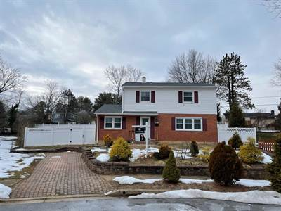 5 Glyndon Ct, Reisterstown, MD 21136