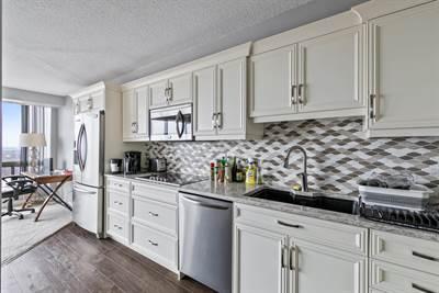 150 Park STREET W , Suite #3006, Windsor, Ontario