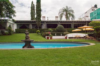 LUXURIOUS AND MEMORABLE HOUSE FOR SALE IN CUERNAVACA