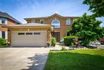 Homes for Sale in Hamilton, Ontario $799,900