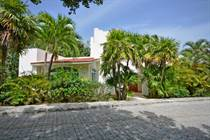 Homes for Sale in Playacar Phase 1, Playa del Carmen, Quintana Roo $995,000
