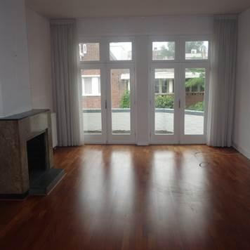 J.J.Viottastraat, Suite 3750, Amsterdam