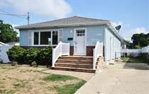 Homes for Sale in Massapequa, New York $589,000