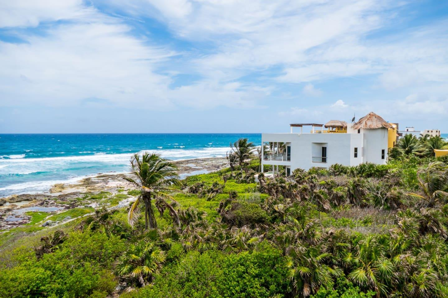 Villa Puerta Azul - 5 Bedroom Beach Front Home