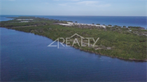 Lots and Land for Sale in Caye Caulker, Belize $750,000