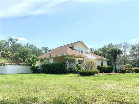 Home for Sale in Lawtey, Florida $285,000