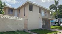 Homes for Sale in Ext. La Milagrosa, Bayamon, Puerto Rico $149,000