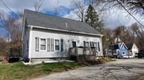 Homes for Sale in Hooksett, New Hampshire $289,999