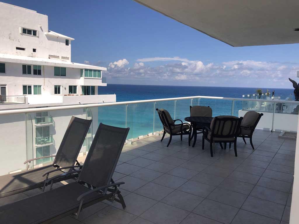 Yalmakan 4-Bedroom OceanView Penthouse