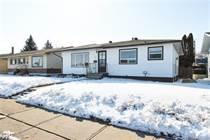 Homes for Sale in Medicine Hat, Alberta $249,900