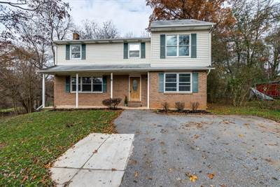 6 Pegram Rd, Owings Mills, MD 21117
