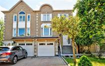 Homes for Sale in Richmond Hill, Ontario $1,080,000
