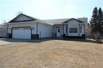 Homes for Sale in Mundare, Alberta $319,900