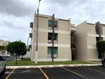Homes for Sale in Cond. Boulevard del Rio, Guaynabo, Puerto Rico $89,900