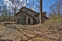 Homes for Sale in Pennsylvania, Buck Hill Falls, Pennsylvania $395,000